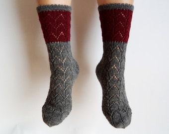 Wool socks. Hand knit geometric zigzag fishnet pattern. Dark grey burgundy. Autumn accessories. House or bed socks. Gift for her