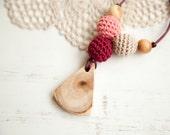 BLACK FRIDAY SALE - Nursing necklace - teething toy - Babywearing - breastfeeding - juniper - pendant - warm pink beige