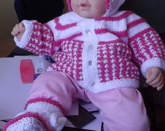 Baby handmade knitted SET, sweater, booties, hat from 3 to 6 months Adorable!!