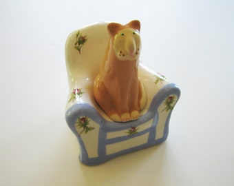 Vintage Frizzell cat and chair salt and pepper shakers