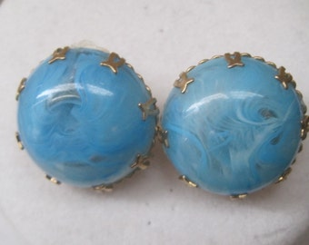 Vintage Jewelry Clip On Earrings Marbled Faux Turquoise Gold 1950's Mid Century