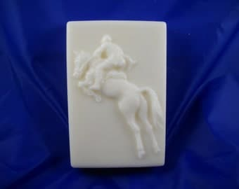 Hunter Jumper Soap in white swirl gift box