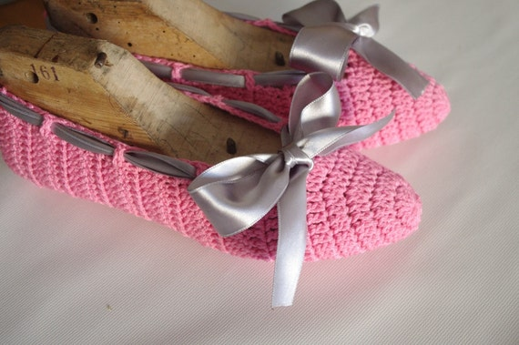 Pink  women home slippers or dans slippers gray bow