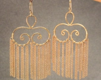 Hammered swirl earrings with chain Venus 146