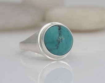 Turquoise and sterling silver ring, size 5 3/4, #563.