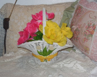 Wicker Basket,Sweet Little Wicker Basket,vintage wicker,wicker,tulips,Gathering Basket,Flower Girl Basket,Wedding, :)s