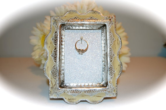 vintage engagement wedding ring picture frame ring