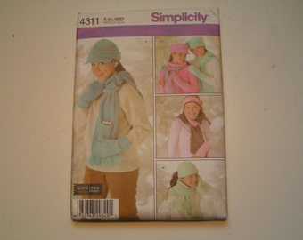 Simplicity Pattern 4311 Elaine Heigl Design Girl Hats and Mittens Scarves