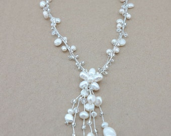 Wedding jewelry freshwater pearl necklace.