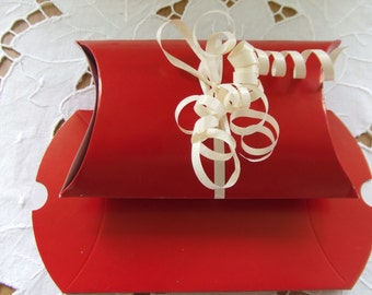 Pillow boxes red,silver good quality pack of 50 great for gifts