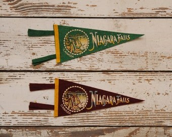 Mid Century Niagara Falls Souvenir Mini Pennants Green Burgundy PAIR