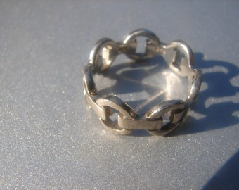 Link Ring Sterling Silver Size 8 - 472.