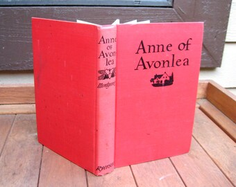 Anne of Avonlea, Lucy Maud Montgomery, vintage book, 1969, scented floral paper cover