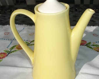 Coffee Pot, Chocolate pot, Mid Century vintage, Made in USA, Retro Kitchen, 1950s, Yellow Coffee pot, Coffee pot with Lid, Ceramic