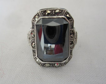 Vintage White Gold Faceted Hematite Marcasite Ring