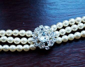 Faux Pearl Choker With Diamante Sunburst