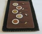 Wool and Felt Penny Rug/Penny Mat, Penny Rug Table Runner, Primitive Table Runner, FAAP, OFG,Table Decor, Felt Flowers, Autumn Gift