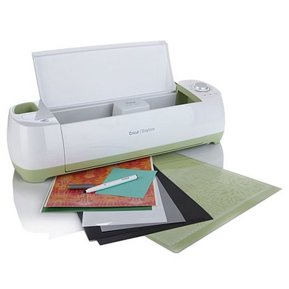 CRICUT EXPLORE MACHINE - NEWEsT MACHiNE from PROVOCRaFT -  New In Box With PeN SeT InCLUDED !