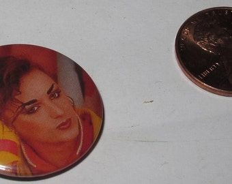 Vintage Collectible button : culture club