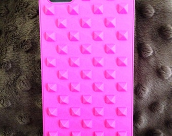 Hot neon pink studded iphone SE, iPhone 5, iPhone 5s case