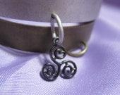 Triskelion shackle cuff