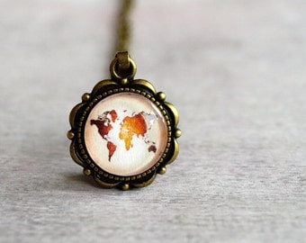 World map necklace, world map pendant, Vintage Pendant, Vintage Jewelry, Retro Jewelry, Continents, Earth Map, Beige and Brown Small pendant
