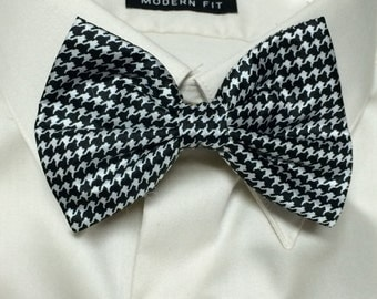 Houndstooth Print Bowtie / Bow Tie