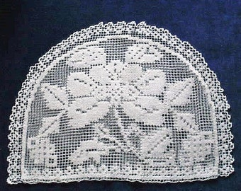 Tea-cosy cover, vintage, Mediteranean knotwork & needleweaving, a floral design, white cotton. c1910's.