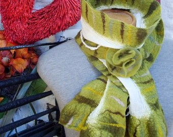 Nuno felted scarf, Green felted scarf, Merino wool scarf, winter scarf, winter accessories