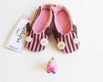 SALE * Toddler girl pink slippers shoes - Zlippers: non slip sole shoes with eyes and ears / pink and chocolate brown stripes / 18 months