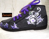 Hand painted women's canvas shoes. Henna design keds. Ethnic indian shoes. Hand painted sneakers. Grey Floral Henna. Jooots from Artikrti