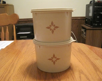 Vintage Tupperware Canisters Starburst Pattern