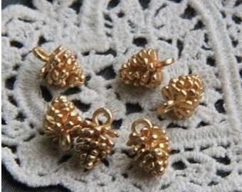 6pcs of metal pine acorn charm pendant-12x8mm-1226-matte gold