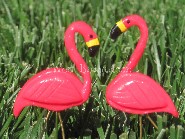 miniature plastic pink flamingo lawn ornament pair