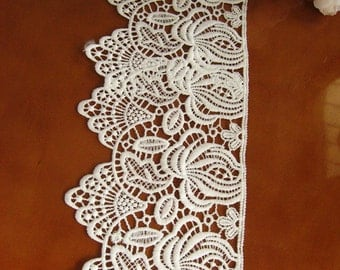 OFF white Lace Trim, scalloped trim lace, antique lace fabric, crocheted lace fabric, jewelry necklace lace trim