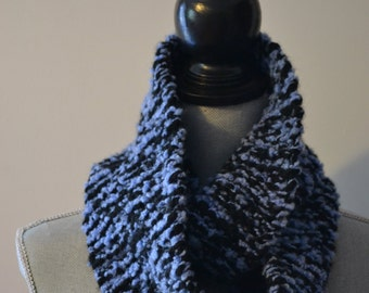 Chunky Knit Circle Scarf - Blue Raspberry Slushie