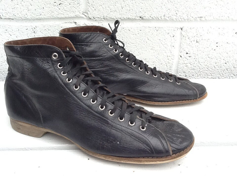 vintage bowling shoes s high top size 9 by