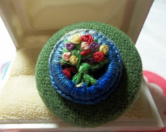 1/2 OFF!!! Vintage Green Coat Button Crochet Flower Button Adjustable Ring, Vintage Ring, Vintage Buttons, Vintage Jewelry, Statement Piece