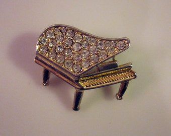 Vintage Baby Grand Piano Brooch Diamond-Cut Rhinestones in Gold-Toned Setting