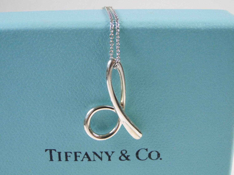 Tiffany co elsa peretti letter d alphabet pendant necklace for Elsa peretti letter pendant review