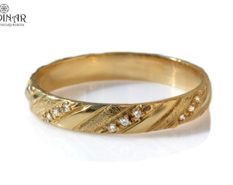 14k solid gold diamond wedding band, women's wedding ring, Classic  wedding band, small Diamonds gold ring Anniversary gift