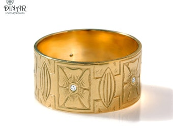 18k yellow gold mens Wedding Band, wide band, hand engraved floral motif band, Renaissance , leaves and flowers engravings, men diamond band