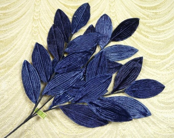Vintage Velvet Leaves NOS Navy Blue Shaded Millinery Spray of 24 for Hats Crafts Corsage Japan 7LV0023N