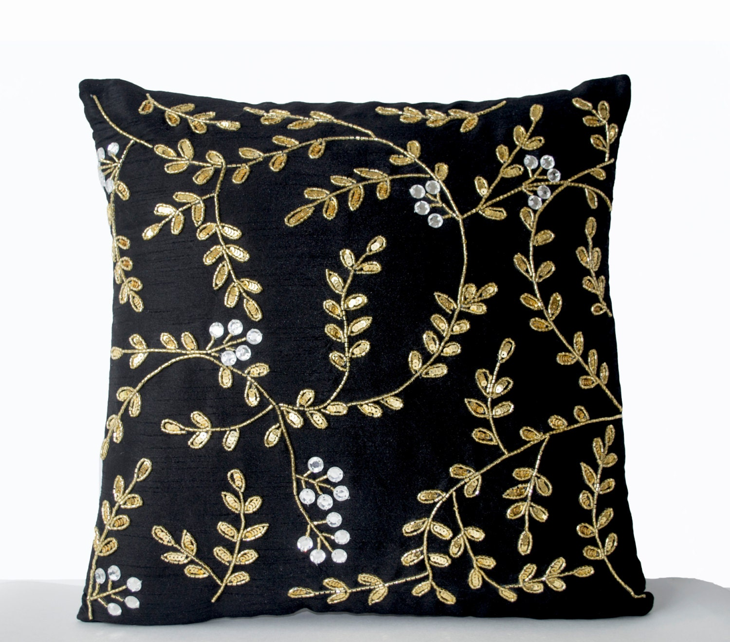 Black couch pillows black accent pillow black gold pillows for Designer accent pillows