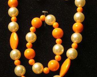 ORANGE and CREAM BEADS Jewelry Set