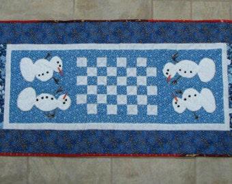Snowman's Checkers Tablerunner