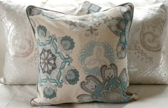 Designer Blue Gray Ivory Winter Snowflake 18x18 Decorative Toss Throw Pillow Cover with Pale Gray Piping Holiday Decorating