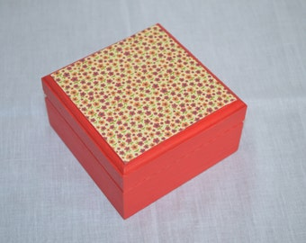 Ready to Ship: Small Keepsake Box