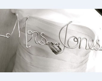Personalized Custom Wire Wedding Hanger and date, Bridal Hanger with Date, Personalized Custom Bridal Hanger, Brides Hanger, Name Hanger