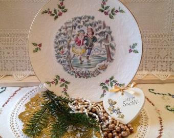 Royal Doulton Vintage bone china Christmas decorative plate 1970's.